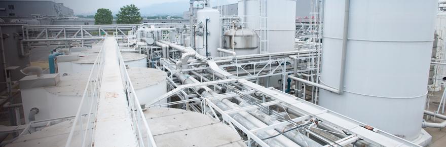 原料は食品添加物のみで安心・安全のボイラ・冷却水処理薬品「クリタイト」